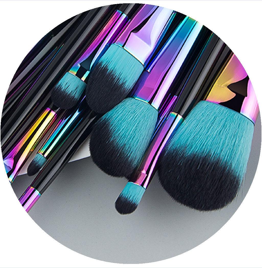 zoom sur les pinceaux professionnels rainbow color