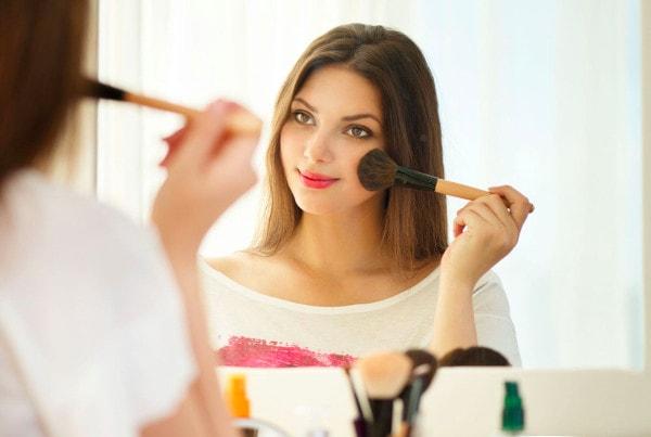 maquillage débutant facile pinceaux indispensables